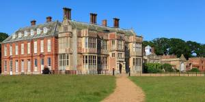 Live Like a Queen: a look at Britain's queer stately homes